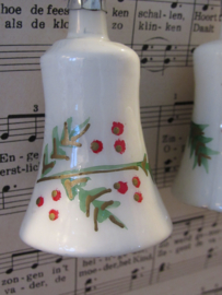 Oude/antieke kerstbal: Klokje van glas met dennentakjes