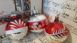 Zilver/wit/rood: set van 3 oudjes uit Oma's boom ...