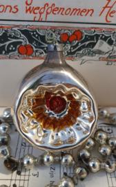 Oude/antieke kerstbal: Deuballetje in zilver/oud goud/rood