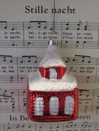 Oude/antieke Kerstbal: Kerkje in rood. Besuikerd. Czechoslovakia