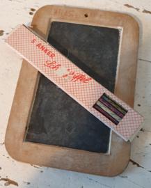 Prachtig klein schoolleitje + oud doosje griffels