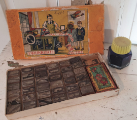 Oud doosje DRUKKERIJ Met stempels en stempelkussen + oud Gimborn inktflesje