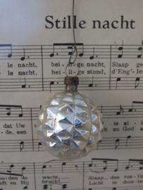 Oud/antiek kerstballetje: Fantasie vruchtvorm.