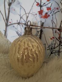 Oude/antieke kerstbal: Grote walnoot besuikerd
