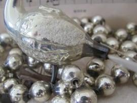 Oude/antieke kerstbal: ZWAAN op clip, met staart van glasvezel