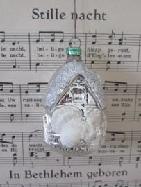 Oude/antieke kerstbal: Vogelhuisje. Met Wit/zilverglitter. G.D.R. (A)