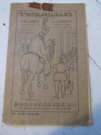 Antiek boekje met 17 (ook onbekende) St. Nicolaasliedjes. R.A. van Pelt en J.H. Boon