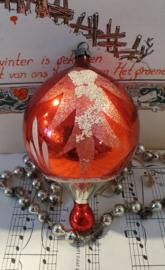 Oude/antieke kerstbal: Grote tol in kerstrood met wit