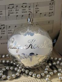 Oude kerstbal: met tekst 'Prettige Kerstdagen'
