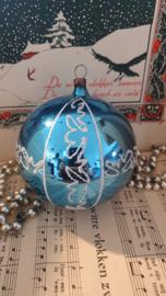 Oude/antieke grote kerstbal in Turquoiseblauw. Gesuikerde deco