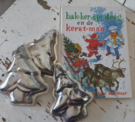 Boekje Bakkertje Deeg en de kerstman + 3 bakvormen kerstboom/dennenboom