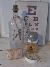 4-delige set oude/antieke Apothekersspullen: o.a. snelverband, gezondheidssnuif