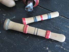 Oud 2-delig houten kinderfluitje