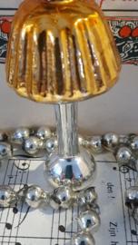 Oude/antieke kerstbal: Schemerlamp in oud goud. G.D.R.