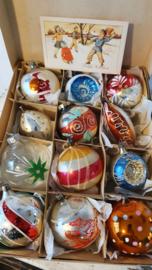 12 prachtige oudjes, zoals in oma's boom ... in doos + kerstkaart uit 1950