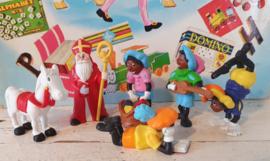 6 Sinterklaas poppetjes Blokker(?). met 4 pietjes en Amerigo