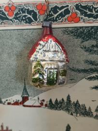 Oude/antieke kerstbal: Schattig huisje