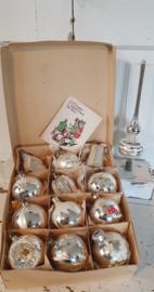 12 stuks prachtige oude/antieke kerstballen in doos + piek + oude kerstkaart