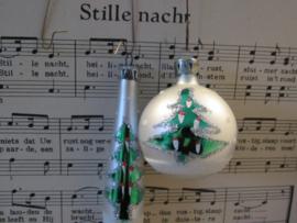Setje van 2 Retro kerstballen met kerstboompjes!