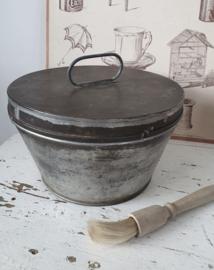 oude Poffert  in mooi sleets patina + oud boterkwastje