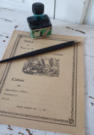 Oud/antiek Frans Schoolschrift + oud Frans inktflesje + kroontjespen