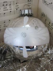 GROTE oude/antieke kerstbal. Besuikerd/glitter