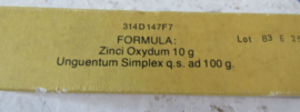 Oud/antiek: Boorwater, Suspensory Bandage, Péristaltine ampullen en Zinkzalf
