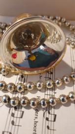 Oude/antieke kerstbal: Prachtig klokje met klepel. In oud goud