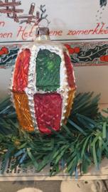 Oude/antieke kerstbal: Lampion in kerstkleuren!