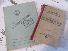 Oud Stenogramblok uit de D.D.R. + 'Verklarend zakwoordenboekje uit 1947 (Koenen)