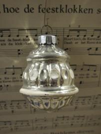 Oude/antieke kerstbal: Lampion met witte deco