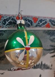 Oude/antieke kerstbal: prachtig oudje uit oma's boom