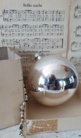Oude/antieke XL kerstbal! G.D.R. Omvang 41 cm.! in doos met deksel