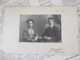 Jong echtpaar ... Ca. 1900. S. Goudsmit, Enschedé-Hengelo