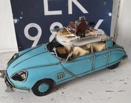 op SKIVAKANTIE! met de Citroën DS! Stevig model, metaal