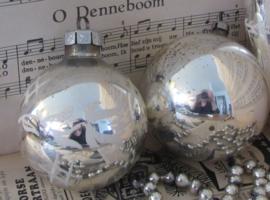 Set van  2 oude/antieke kerstballen