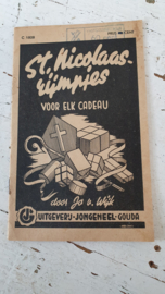 oud/antiek: St. Nicolaas Rijmpjes voor elk cadeau. ca. 1940-1950