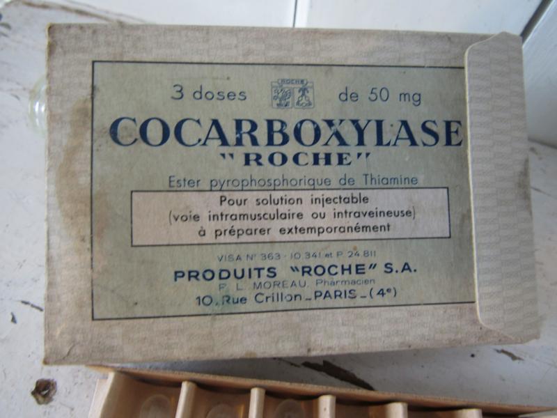 Oude/antieke Franse doos glazen ampullen. 'Roche', Paris