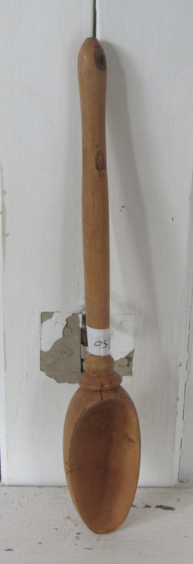 GROTE oude houten lepel met diepe bak