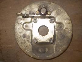 0023 Linker ankerplaat met remvoering en remcilinder past op alle type,s Aixam