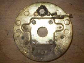 0024 rechter ankerplaat met remvoering en remcilinder past op alle type`s Aixam