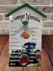Grunneger weersteen Claas tractor