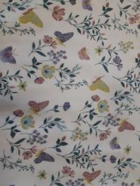 Witte tricot met bloemen en vlinders