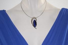 Zilverkleurige Ketting met Blauwe Steen