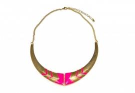 Goudkleurige Choker met Neon Roze Geometrische Patronen