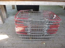 metalen supermarkt mandjes