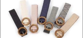 Elastische riem met houten gesp