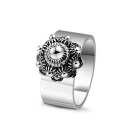 Prachtige brede ring met Zeeuwse Knop