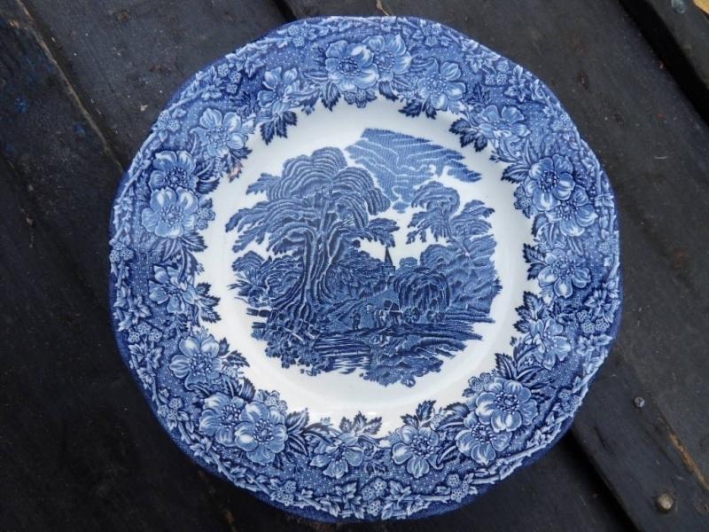 blauwe platte borden - dinerborden