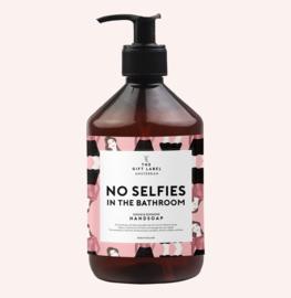 The gift label - handzeep - No selfies in the bathroom
